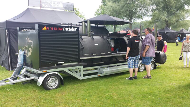 Mobiele Barbeque wagen
